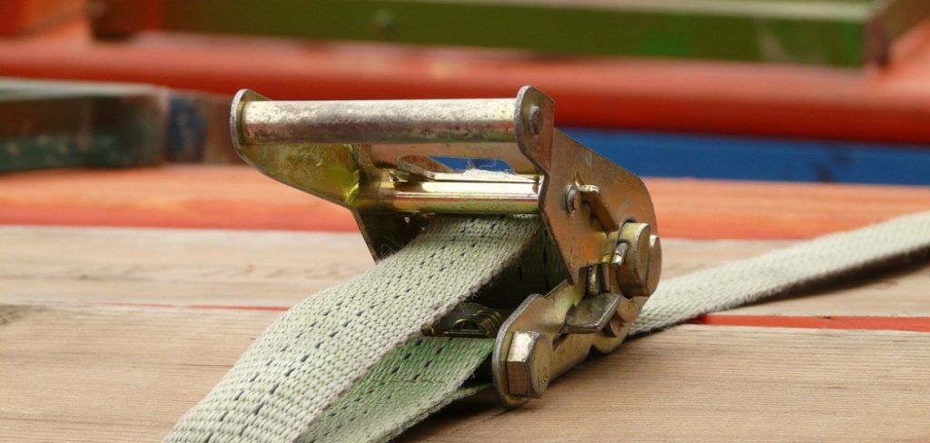 How to Release a Ratchet Strap – Why Does This Happen?